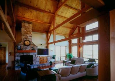 jobes-timber-framed-living-area